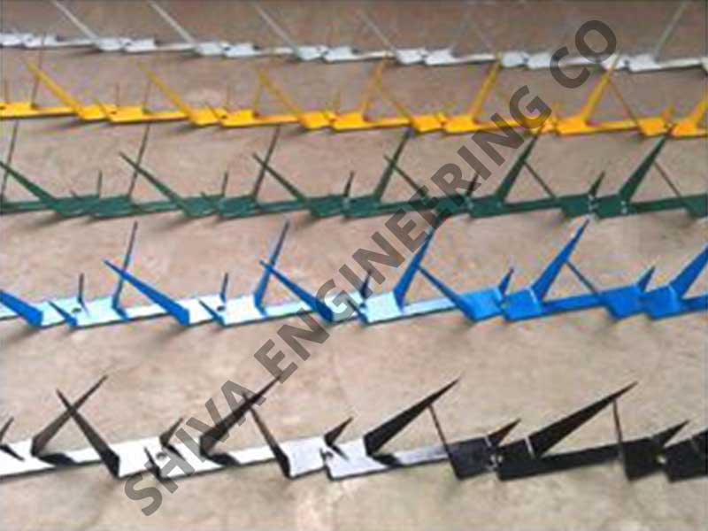 Razor spikes colour coated