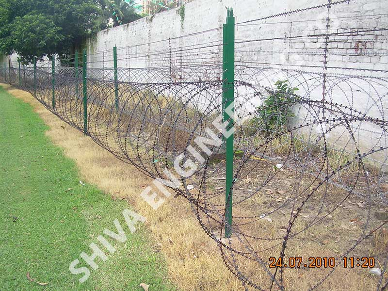 CONSEC® 1200 mm DIA CONCERTINA GROUND FENCING WITH 5 NOS RAZOR WIRE