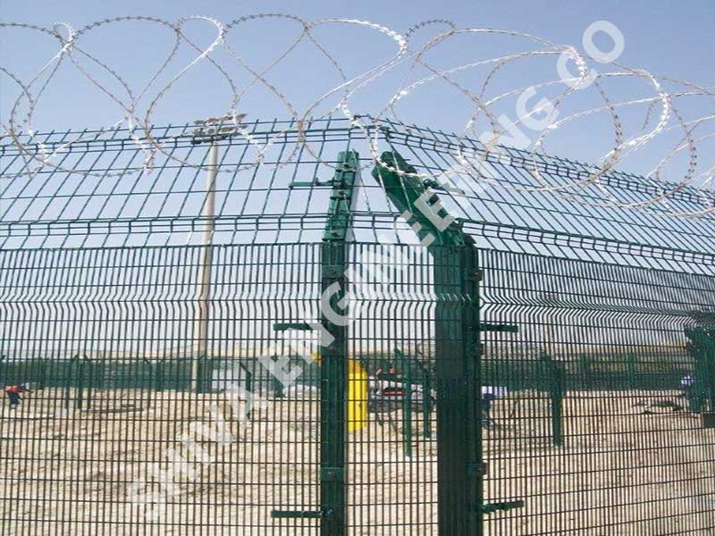 Pvc Coated Welded Angular Mesh manufacturer