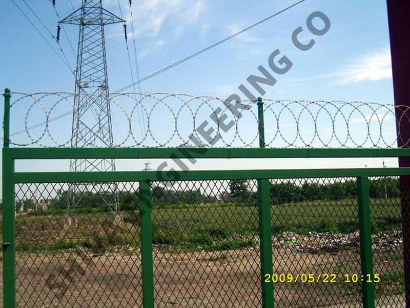 Flat wrap razor wire fencing