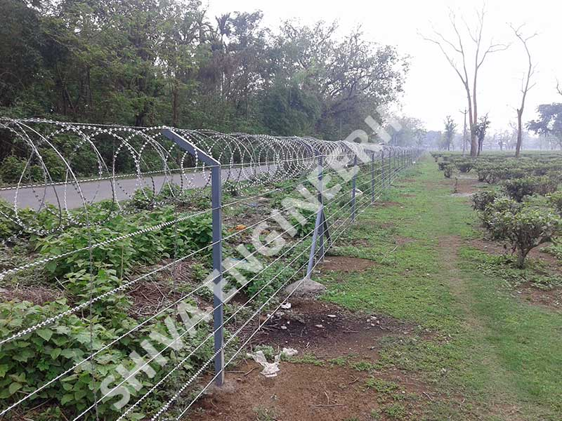 2 MTR HIGH CONSEC® RAZOR WIRE GROUND FENCING