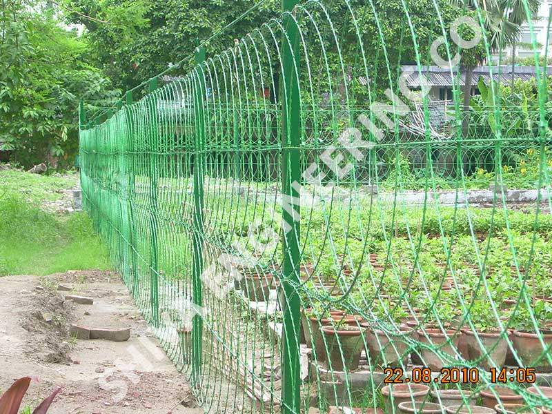 CONSEC® RAZOR FLAT WRAP FENCE OF 1.5 MTR HIGH WITH SRPBT RAZOR STRANDS